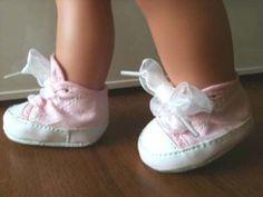 Refashion: Dollar Store newborn shoes for doll - Great idea!