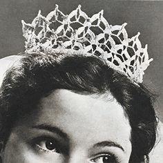 'n Kroontjies vir die trouprinses Crown, Jewelry, Fashion, Moda, Corona, Jewlery, Jewerly, Fashion Styles, Schmuck