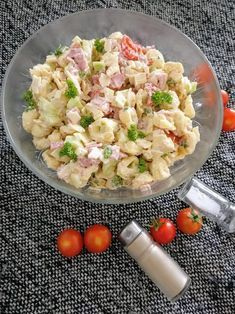 Rezept - Tortellini Salat - Sommerlich lecker! Passend zum Sommer und zu diesen tollen Temperaturen. Ein leckerer Salat zum Grillen.