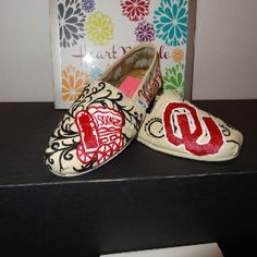 Fun OU Sooners Toms!!  **** Heather this is what i want this year for OU vs tx weekend!!! just sayin! =)