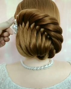 Bun Hairstyles For Long Hair, Braids For Long Hair, Braided Hairstyles, Easy Vintage Hairstyles, Hair Updo, Braided Updo, Summer Hairstyles, Front Hair Styles, Medium Hair Styles
