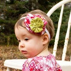 Add a flower to any outfit, headband, apron +. Accessorize your outfit or hair piece easily. It utilizes scrap pieces of fabric for an adorable and easy flower! Easy Sewing Patterns, Baby Patterns, Sewing Tutorials, Flower Patterns, Sewing Crafts, Sewing Ideas, Sewing Projects, Baby Clothes Patterns, Doll Patterns