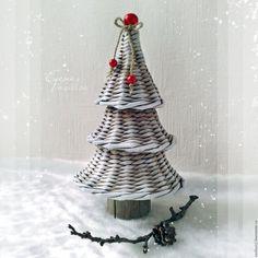 Купить Елочка Ягодная новогодняя - елочка новогодняя, елка, плетеная, настольная, подарок на новый год 2016