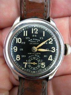 JAMES WALKER OF LONDON AIR FORCE MODEL B PILOTS WATCH