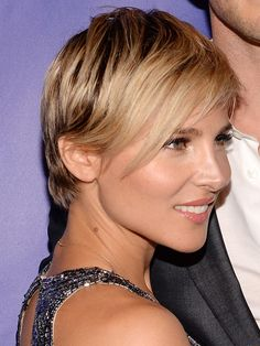 Thinkin' about chopping your hair? Elsa Pataky may have the best short haircut I've ever seen