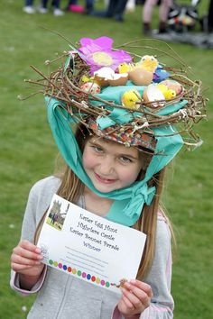 She's an Easter bonnet contest winner during the High Clere Castle Easter egg hunt? Seriously, why wasn't there an Easter egg hunt episode of Downton Abbey then? Crazy Hat Day, Crazy Hats, Easter Hat Parade, Easter Eggs, Easter Bonnets, Diy Ostern, Easter Activities, Easter Crafts, Easter Decor