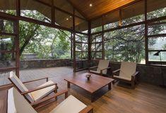 Galería de Refugio familiar para Devasiris / Palinda Kannangara Architects - 1