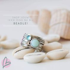 Van dit heerlijke weer krijgen wij last van zomer kriebels! 🌞 En wat is nou leuker dan onze IXXXI ringen opnieuw samenstellen met een… Bling Bling, Gemstone Rings, Gemstones, Womens Fashion, Pretty, Outfits, Jewelery, Clothes