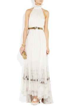 another stunning gown by McQueen......I know i said no bridal gowns......but i could be persuaded