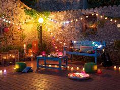色んなライトイルミネーションを合わせてホームパーティを幻想的に演出。