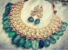 Indian Jewelry Sets, Indian Jewellery Design, Royal Jewelry, Emerald Jewelry, India Jewelry, Old Jewelry, Trendy Jewelry, Jewelery, Jewelry Design