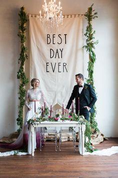 Wedding Ceremony Backdrop Outdoor Rustic Ideas For 2019 Bridal Table, Wedding Table, Wedding Day, Trendy Wedding, Boho Wedding, Wedding Aisles, Wedding Rustic, Dream Wedding, Peacock Wedding