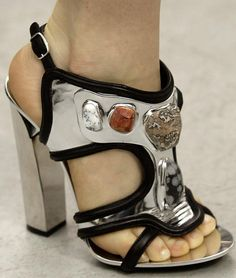 Shoes so good I could cry...Balenciaga 2006