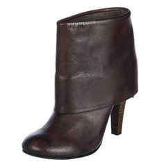 Cuff ankle boot. #bronx