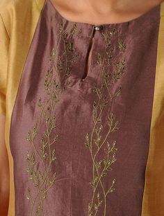 Have a look at our domain for more on the subject of this great embroidery on clothes Embroidery Suits Punjabi, Embroidery On Kurtis, Kurti Embroidery Design, Hand Embroidery Dress, Embroidery On Clothes, Embroidered Clothes, Machine Embroidery, Embroidery Online, Floral Embroidery