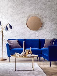 Cool Blue Velvet Sofa (Holly Corner Sofa) with a gold coffee table and marble walls The post Blue Velvet Sofa (Holly Corner Sofa) with a gold coffee table and marble walls… appeared first . White Room Decor, Blue Home Decor, Interior Design Minimalist, Home Interior Design, Interior Colors, Contemporary Interior, Interior Paint, Luxury Interior, Interior Ideas