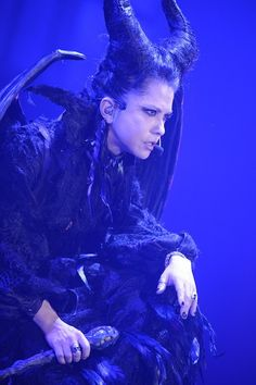 picture of VAMPS' HYDE Performs at Halloween Party 2014 in Fancy Costume! 3