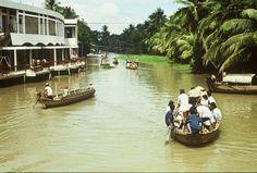 1989, Wasserstrasse am Mekong Delta Südvietnam;         1989, Waterway along the Mekong River Delta in South Vietnam ;