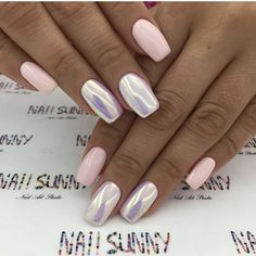 On average, the finger nails grow from 3 to millimeters per month. If it is difficult to change their growth rate, however, it is possible to cheat on their appearance and length through false nails. White Nails, Pink Nails, White Chrome Nails, Opal Nails, White Nail Designs, Powder Nails, Perfect Nails, Halloween Nails, Nails Inspiration