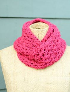 Double Strand Infinity Scarf free pattern! Super easy to make
