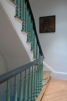 39 Inspiring Painted Stairs Ideas - Home Decorating Inspiration Painted Stair Railings, Stair Spindles, Painted Staircases, Wood Railing, Painted Stairs, Banisters, Spiral Staircases, Banister Ideas, Bannister Ideas Painted