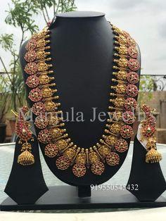 Gold Jewelry Design In India Key: 8901804190 Gold Temple Jewellery, Gold Jewellery Design, Gold Jewelry, Handmade Jewellery, Jewellery Earrings, Diamond Jewellery, Statement Jewelry, Mango Mala Jewellery, Antique Jewelry