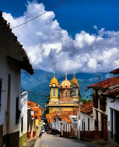 Socorro Santander Colombia Travel, America, Mansions, House Styles, Latin America, Facades, Cities, Colors, Facts