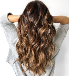 67 Gorgeous Balayage Hair Color Ideas - Best Balayage Highlights,Beachy balayage hair color We all know styles and fashion change with time and the seasons. What worked in clothing and accessories yesterday can re-emerge into totally new. Blonde Balayage Highlights, Brown Hair With Blonde Highlights, Brown Hair Balayage, Hair Color Balayage, Color Highlights, Chocolate Hair With Caramel Highlights, Caramel Balayage Brunette, Brown Hair With Caramel Highlights, Hair Color Caramel