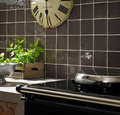 Kitchen wall tiles in brown
