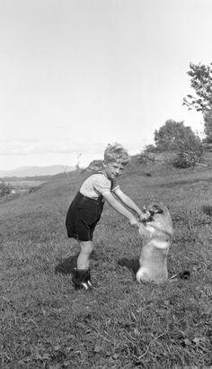 [Gutt og hund] fra marcus.uib.no Couple Photos, Couples, Couple Pics, Couple, Romantic Couples
