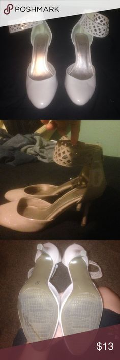 Super cute heels! Cream color shiny heels with ankle bracelet, they zip at the back. I previously used these shoes twice but other than that in great condition. Shoes Heels
