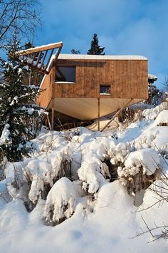 Norwegian architecture firm Jarmund/Vigsnæs Arkitekter designed Writer's Cottage, a tiny wooden cabin in Asker, Norway. Eco Architecture, Contemporary Architecture, Construction, Gone Fishing, Cabin Homes, Picture On Wood, Small World, House In The Woods, Vacation
