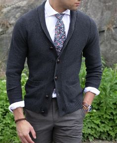 Our Grey shawl collar cardigan paired with a plain white shirt and floral tie. The cardigan is a great alternative for those chilly summer evenings, as well as a solid piece in your wardrobe when Fall approaches.www.Grandfrank.com