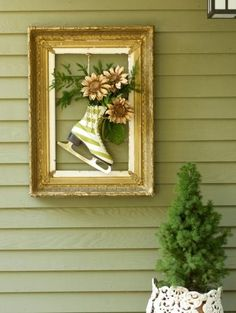 Using nature and a little ingenuity, you can create holiday decorations for just pennies. Check out these projects made from vintage items and a few things pulled out of the recycle bin.