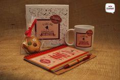 Pack personalizado con libreta, taza y dulce para un superprofe #PackPersonalizado #TazaPersonalizada #PackProfesor #Escarabat