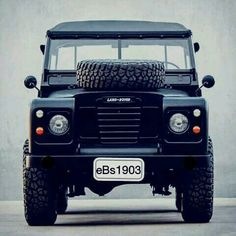 LAND ROVER 4×4 DEFENDER #eBs1903 #black #england Landrover Defender, Defender 90, 4x4, Wheel In The Sky, Jaguar Land Rover, Off Road, Expedition Vehicle, Land Rovers, Train Car