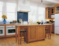 Amazing Country Kitchen Ideas Painting
