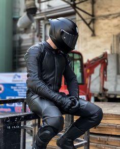 Motorcycle Suit, Motorcycle Leather, Biker Leather, Leather Men, Leather Pants, Black Leather, Motorcycle Jackets, Motogp, Motorbike Leathers