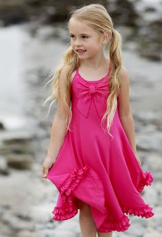 Let her explore in comfort and style! This knit dress by Lemon Loves Lime is available in 3 colors. Wash and wear it over and over again. It will look like new all season long! Stylish Dresses, Cute Dresses, Girls Dresses, Flower Girl Dresses, Baby Boy Fashion, Kids Fashion, Girls Red Christmas Dress, Vestidos Sport, Spring Outfits