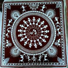 Traditional tribal warli painting The cloth is first painted with the traditional reddish-brown color.The painting is then done on it in white with minute details. Indian Artwork, Indian Folk Art, Indian Art Paintings, Madhubani Art, Madhubani Painting, Kalamkari Painting, Traditional Paintings, Traditional Art, Worli Painting