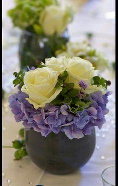 Blumengesteck aus Rose und Hortensien