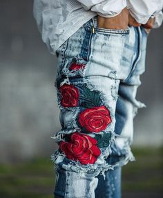 """137 Beğenme, 5 Yorum - Instagram'da The Jeans Blog (@the_jeans_blog): """"Embroidered denim details from @goldendenim ❤️ #jeans #denim #mensfashion #embroidery #roses…"""""""