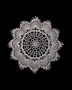 Vintage German crocheted doily with webbed by EuropeanThreadwork, zł15.00