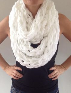 30 Minute Arm Knitting Scarf