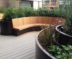 Outdoor Design: Bespoke curved planters and seating, 3 Merchant Square 1 of 12 - garden landscaping Outdoor Seating Areas, Garden Seating, Terrace Garden, Curved Outdoor Benches, Curved Bench, Sunken Garden, Modern Pergola, Back Garden Design, London Garden