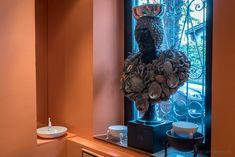 Visiting interior designer Carlo Rampazzi in his atelier #Selvaggio #design #interiordesign #CarloRampazzi Designer, Interior Design, Atelier, Home Architect, Nest Design, Home Interior Design, Interior Designing, Home Decor, Interiors