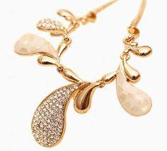 Fashion Petals Irregular Shape Crystal Necklace for Decoration