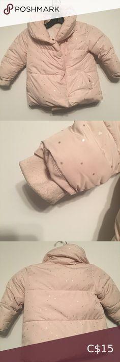 Zara Jacket Zara Baby Jacket Size 18-24 months Light pink with gold stars Side pockets and front closure zipper Zara Jackets & Coats Puffers