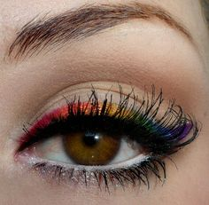Rainbow eyeliner... I am so in love with this. (If you don't have hooded eyes like I do.)