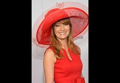 Red-Hot Brit - British actress Jane Seymour, 62, was the Lady in Red at the 2013 Kentucky Derby. The former Bond Girl (in Live and Let Die) and star of TV's Dr. Quinn, Medicine Woman is also an accomplished painter. Natasha Richardson, Young Celebrities, Celebs, Red Hat Society, Jane Seymour, Kentucky Derby Hats, Ageless Beauty, British Actresses, Elegant